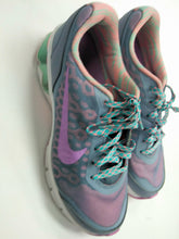 Load image into Gallery viewer, Nike Athletic Shoes Womens 8.5