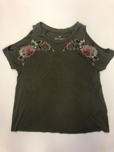 Load image into Gallery viewer, American Eagle T-Shirt Size Small