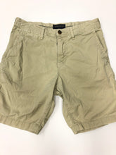 Load image into Gallery viewer, American Eagle Mens Shorts Size 30
