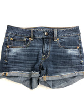 Load image into Gallery viewer, American Eagle Womens Shorts Size 2