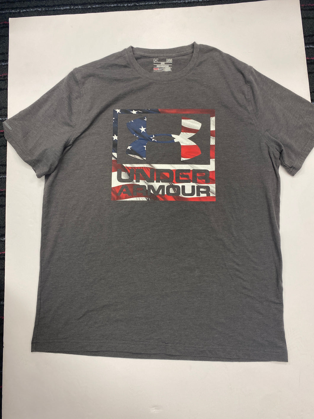 Under Armour Mens T-shirt Size Large
