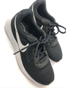 Nike Athletic Shoes Womens 7