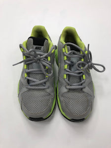 Nike Athletic Shoes Womens 6