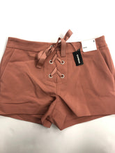Load image into Gallery viewer, Express Womens Shorts Size 5/6