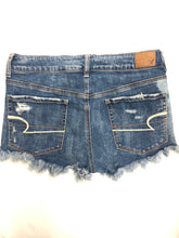Load image into Gallery viewer, American Eagle Womens Shorts Size 7/8