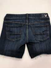 Load image into Gallery viewer, American Eagle Shorts Size 2