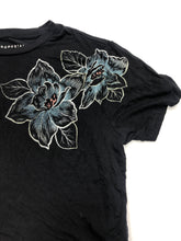 Load image into Gallery viewer, Aeropostale T-Shirt Size Extra Small