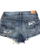Load image into Gallery viewer, American Eagle Womens Shorts Size 5/6