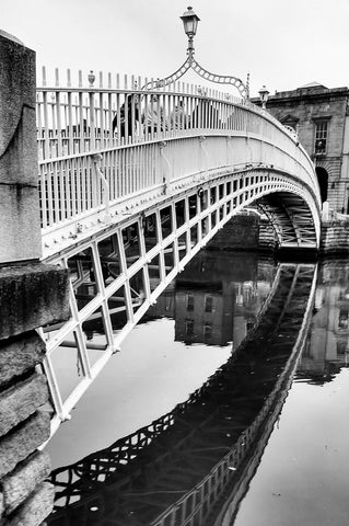 Ha'Penny Bridge, Dublin.