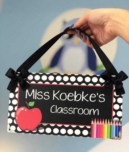 Personalized Teacher Apple Door Hanger, New Classroom Decor Sign, Kasefazem Teacher Gift For Women