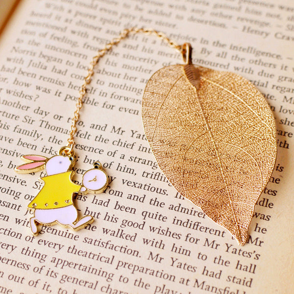 1 Pcs Cute Rabbit Bookmarks Creative Metal Leaf Book Mark for Teachers Christmas Gifts School Office Supplies Kawaii Stationery