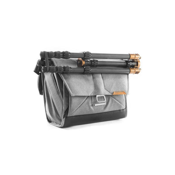 Peak Design Everyday Messenger 15 Version 1