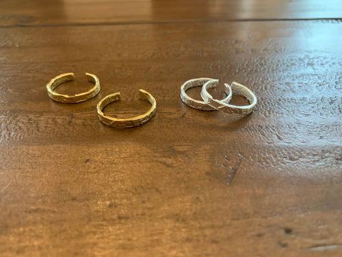 stackable ring. adjustable rings. vermeil gold ring. sterling silver ring. hammered band. silver ring. gold rings