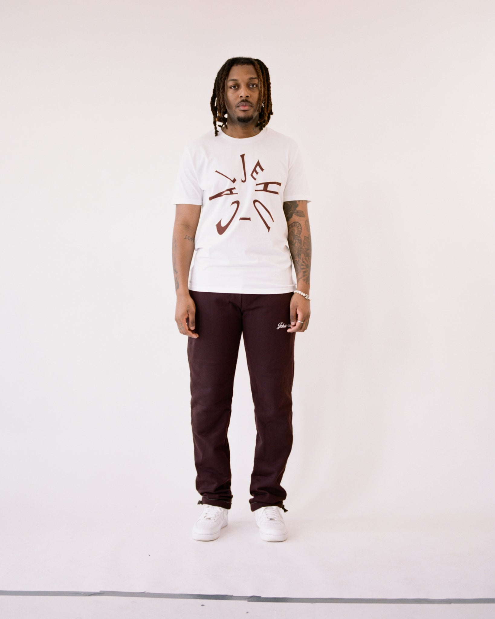 JEHU-CAL CLOCKWORK TEE (WHITE/BROWN)