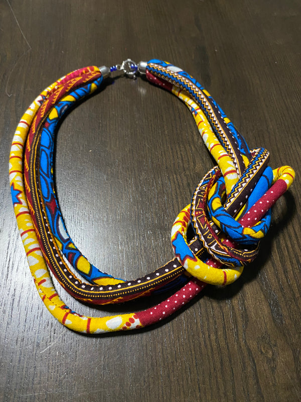 Mika (foum) necklace