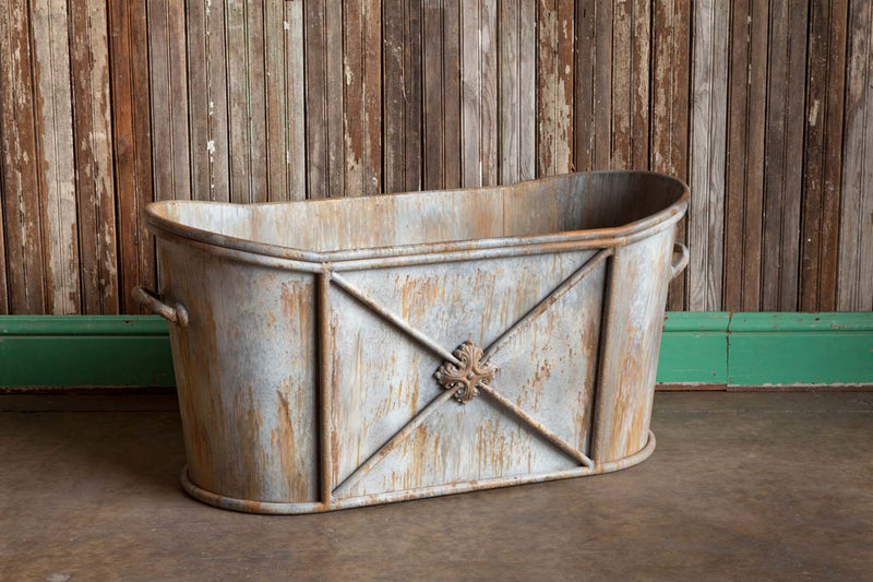 New Market Item Aged Metal Soaking Tub Relic