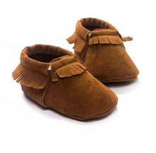Load image into Gallery viewer, Fringed Baby Moccasins