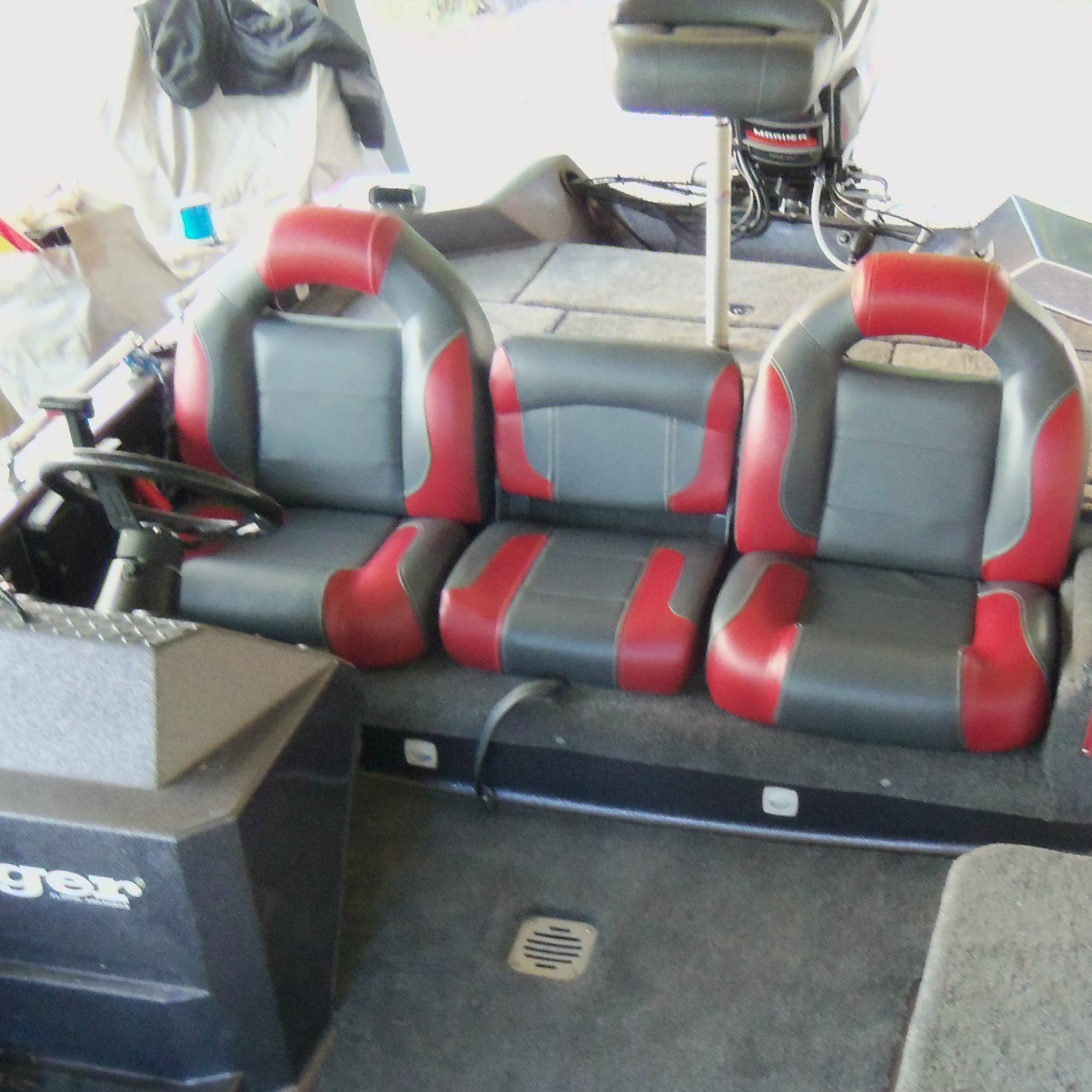stratos bassboatseats seats com pedestal boat seat products interior bass