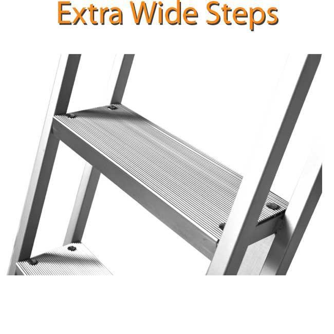 Large steps for comfortable boarding