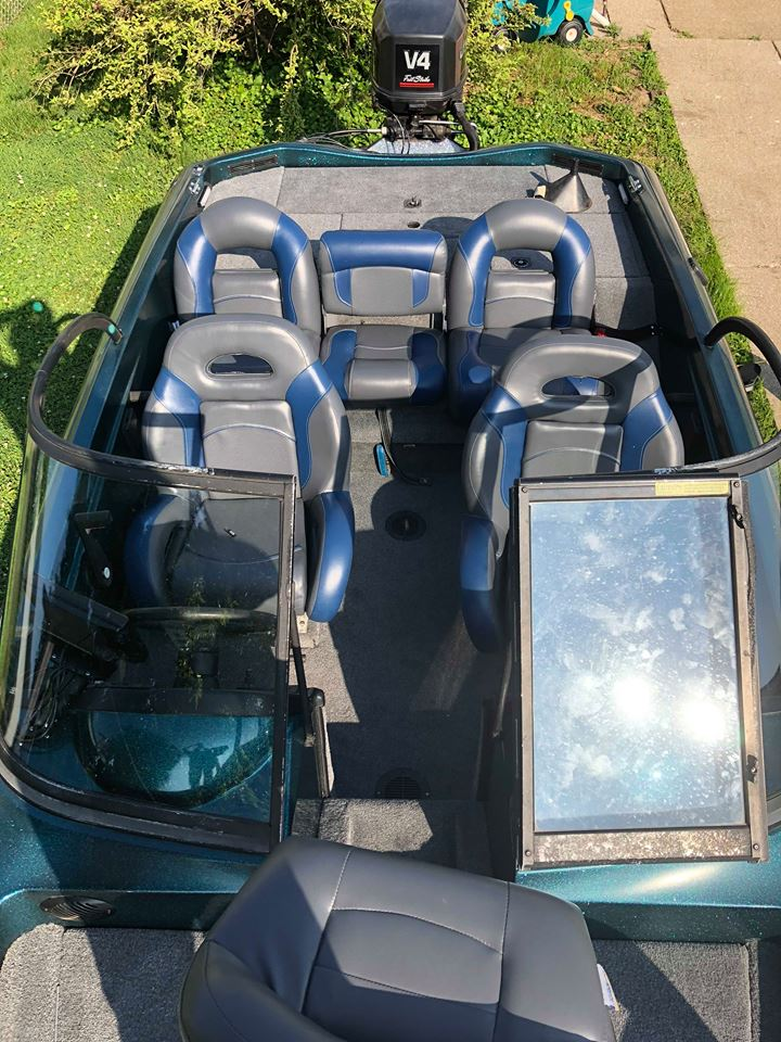 Ranger fish and ski boat seats