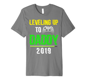 Leveling up to Daddy 2019 Promoted to Dad Video Game Premium T-Shirt