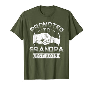 Promoted To Grandpa est 2019 T-Shirt Vintage New Papa Gift