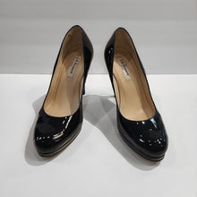 Load image into Gallery viewer, LK Bennett Black Pumps