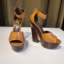 Load image into Gallery viewer, Vince Camuto Leather and Wood Heels