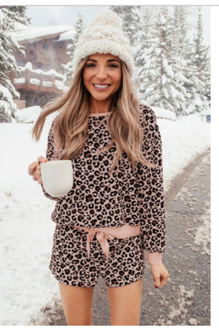 Pink leopard long sleeve shorts pajamas set