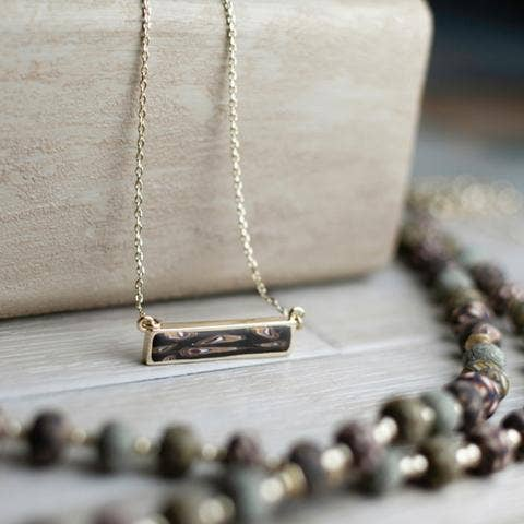 Cafe Reversible Bar Necklace