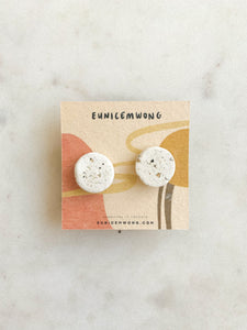salt and pepper rounds — stud earrings