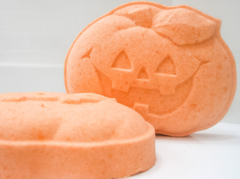 Betty's Bath & Body Shop - Pumpkin Bath Bomb