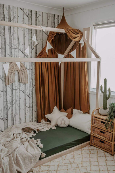 Snuggle Hunny Kids Olive Fitted Cot Sheet made from snuggly soft stretch cotton jersey. Fits Australian cots including Boori cot. Comes with a matching drawstring storage bag. Style your nursery with rustic colours. Perfect newborn gift or expecting mum. Crease free, soft breathable cotton