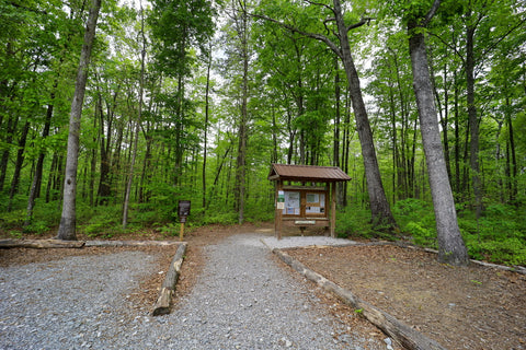 Trailhead for Denny cove in south Cumberland State Park in Tennessee