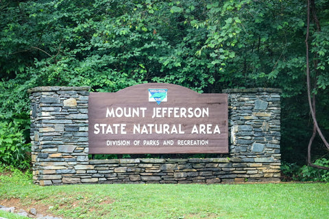 entrance to mount jefferson state natural area