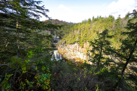 chimney view of linville falls in the linville gorge wilderness