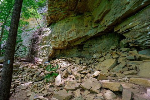 Rock shelters and caves along the climbers loop in foster falls within south Cumberland State Park in Tennessee