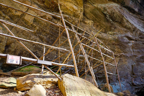 tobacco cave curing racks used by settlers on the lower trails of jeffreys cliffs kentucky