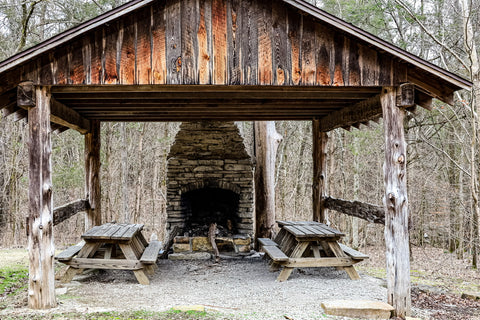 pioneer cabin shelter in o'bannon woods state park