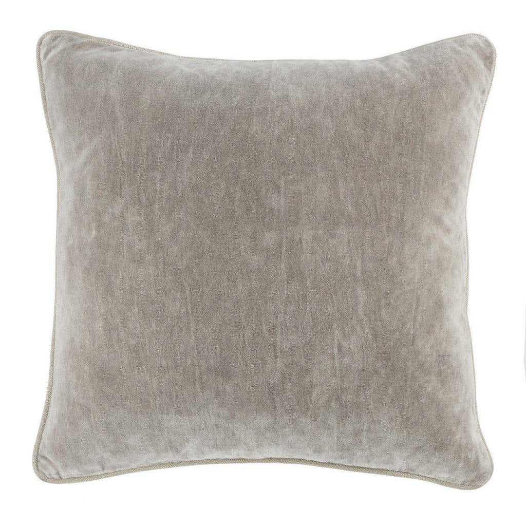 SLD Heirloom Velvet Silver 18x18