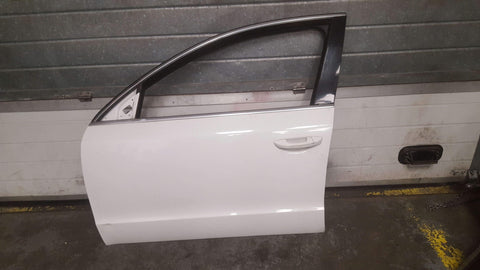 SKODA SUPERB MK2 FRONT LEFT PANEL DOOR IN WHITE 1026 - RM PARTS
