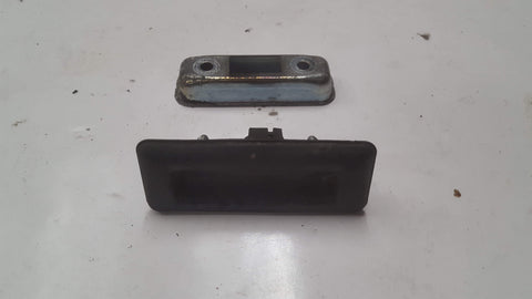 SKODA SUPERB MK2 BOOTLID TAILGATE RELEASE HANDLE 3T0827566C - RM PARTS