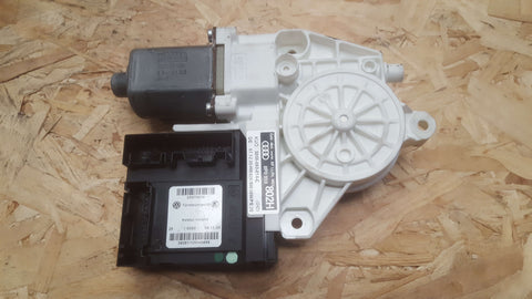 AUDI A3 8P FRONT LEFT SIDE WINDOW MOTOR 8P0959802H