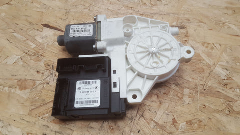 VW GOLF PLUS 5M FRONT LEFT WINDOW MOTOR 1K0959702M 5M2837401F