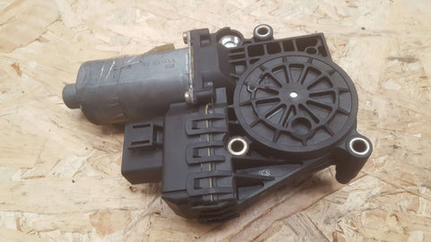 AUDI A4 B5 FRONT LEFT SIDE WINDOW MOTOR