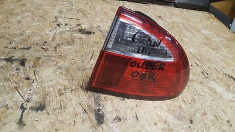 SEAT LEON 1M REAR RIGHT SIDE OUTER LIGHT