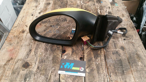 SEAT IBIZA MK4 FRONT LEFT SIDE ELECTRIC WING MIRROR IN YELLOW LS1A