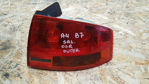 AUDI A4 B7 REAR RIGHT SIDE OUTER LIGHT 8E5945096