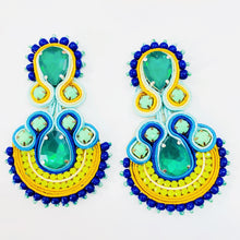 Load image into Gallery viewer, tropical handmade earrings