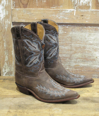 Women's Distressed Brown Boot By Justin